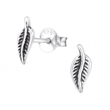 Leaf - 925 Sterling Silver Simple Stud Earrings SD31671